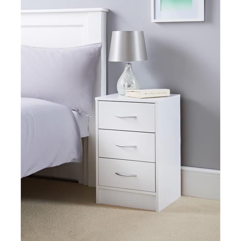 online store edef8 2fbab Lokken 3 Drawer Bedside Table
