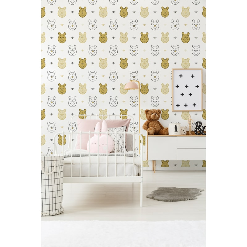 Wallpaper Winnie The Pooh: Winnie The Pooh & Bee Wallpaper