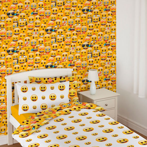 Debona emoji wallpaper kids wallpaper decorating b m for Decoration emoji