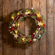 Light Up Star Christmas Wreath - Red Berry