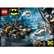 LEGO DC Superheroes Mr Freeze Batcycle Battle